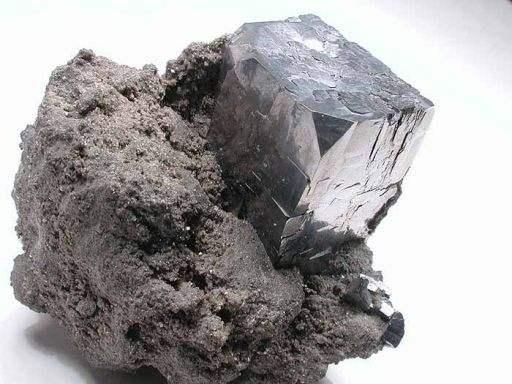 enluminure-02-galene-ou-minerai-de-plomb